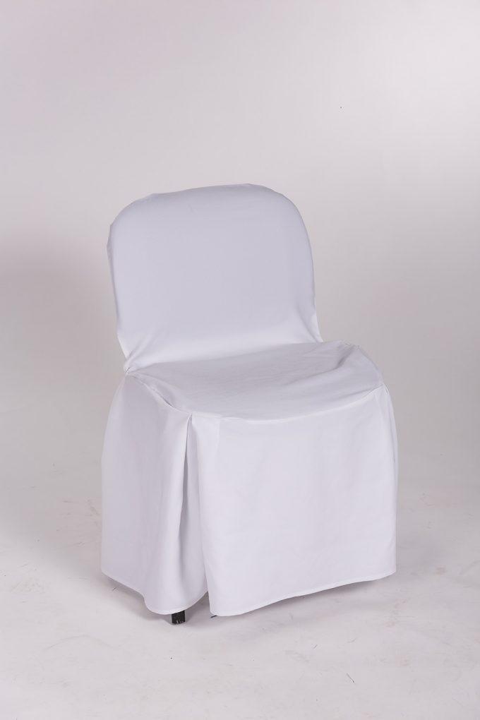 Stolička s bielym návlekom