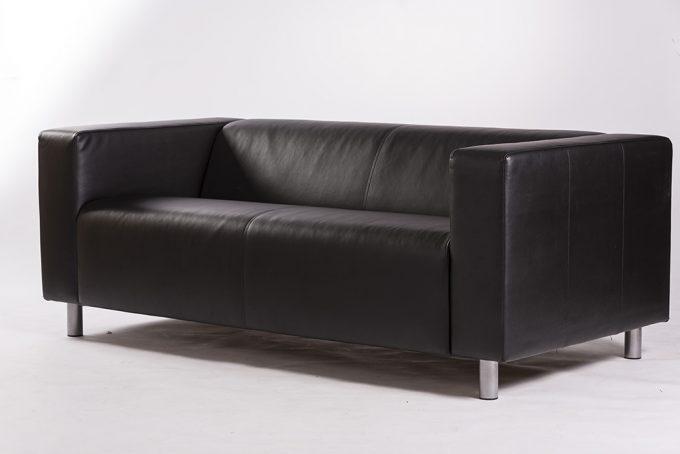Kožená sofa, tmavá
