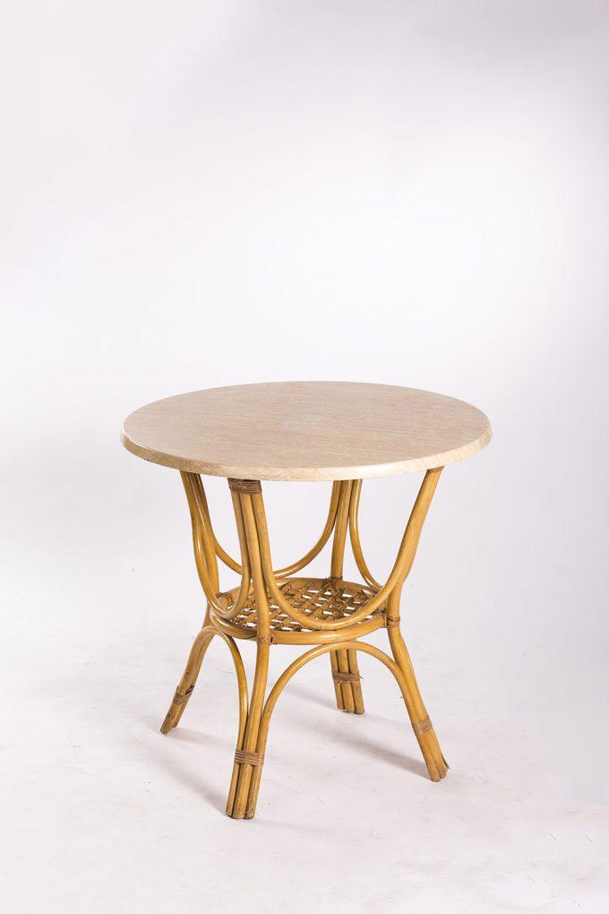 Ratanový stôl, svetlý